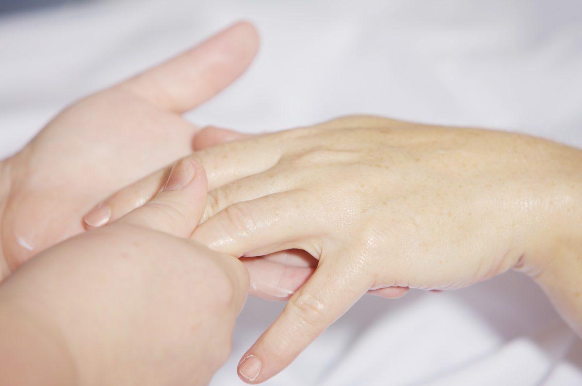 Hand Massage 2133272 1920